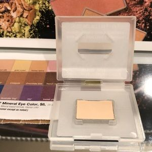 NEW Marykay mineral eye color, Sweet Cream
